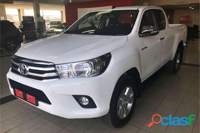2017 toyota hilux 2.8gd 6 xtra cab 4x4 raider for sale