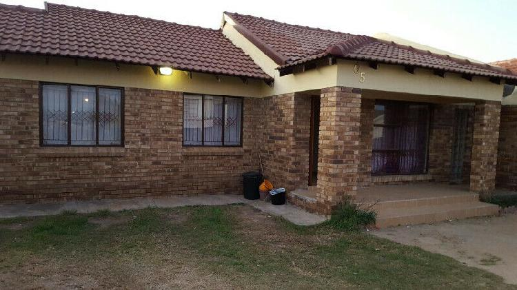 Room available to rent in ivypark x21, polokwane