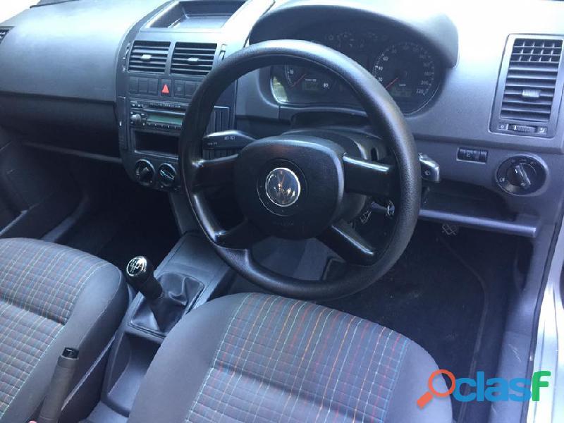 2005 Volkswagen Polo 1.4i Trendline 5Dr 9