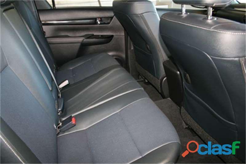 2019 Toyota Hilux 2.8 GD   6 Raider 4X4 A/T D/Cab 8