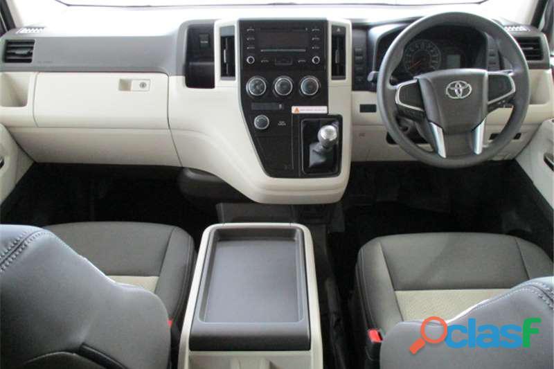 2019 Toyota Quantum 2.7 GL 14 Seater Bus 13