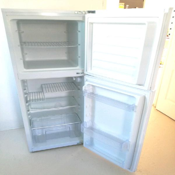 Kic fridge/freezer excellent condition