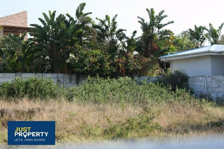 This piece of vacant land is ready and awaiting you, design