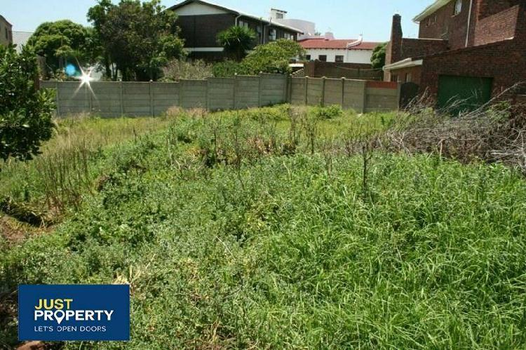 Vacant stand for sale close to the beach - jeffreys bay