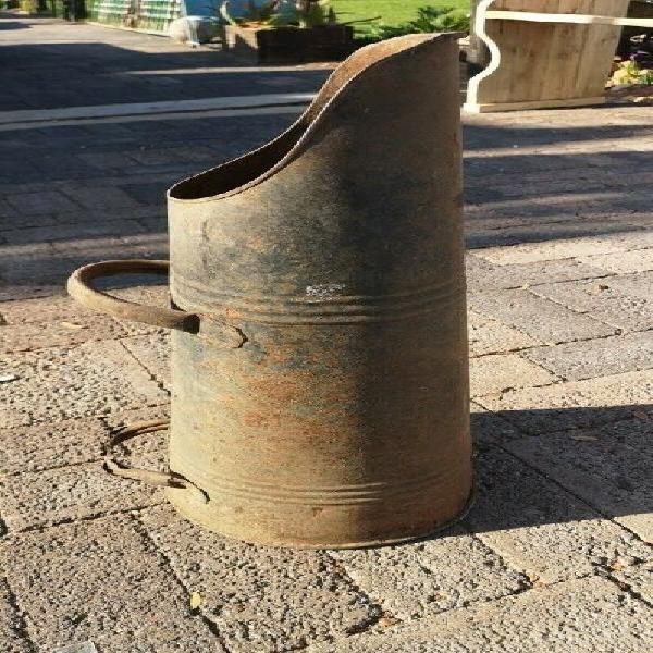 Vintage coal container - has some rust, cool décor piece j