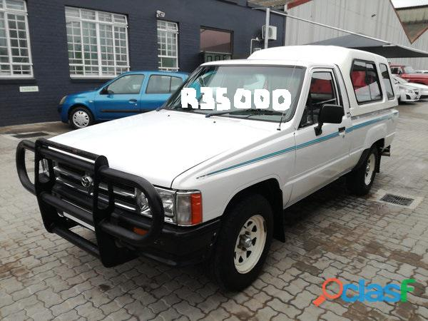1997 Toyota Hilux 2.4 diesel for sale in condition please contact Mbonisi 0822120607