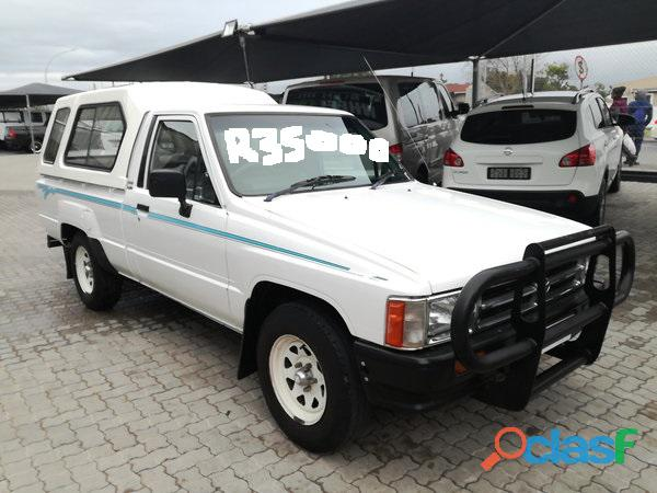 1997 Toyota Hilux 2.4 diesel for sale in condition please contact Mbonisi 0822120607 4