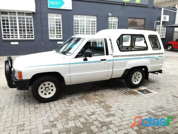 1997 Toyota Hilux 2.4 diesel for sale in condition please contact Mbonisi 0822120607 1
