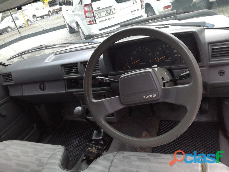 1997 Toyota Hilux 2.4 diesel for sale in condition please contact Mbonisi 0822120607 6