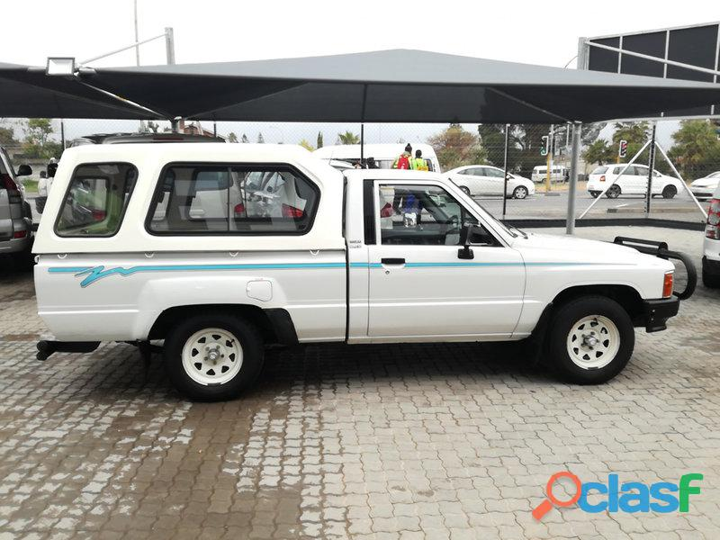 1997 Toyota Hilux 2.4 diesel for sale in condition please contact Mbonisi 0822120607 7