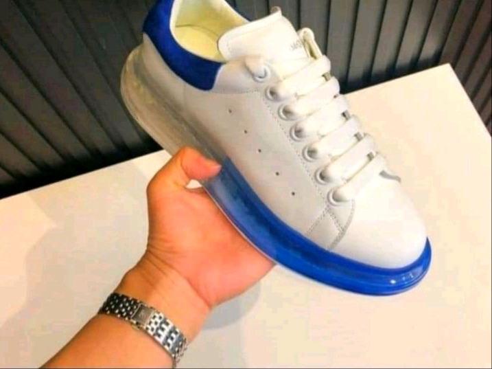 De choosen Boutique shoes
