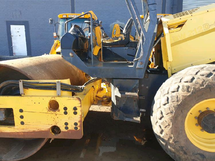 2008 bomag bw212d-40 smooth drum roller
