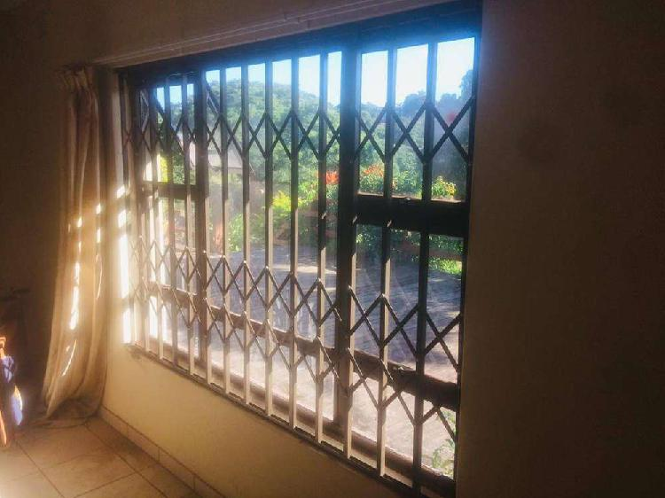 Rooms for rent at r1900 per room empangeni fairview.