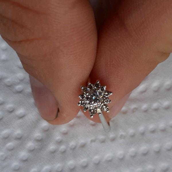 0.23 carat diamond ring in 9ct white gold band
