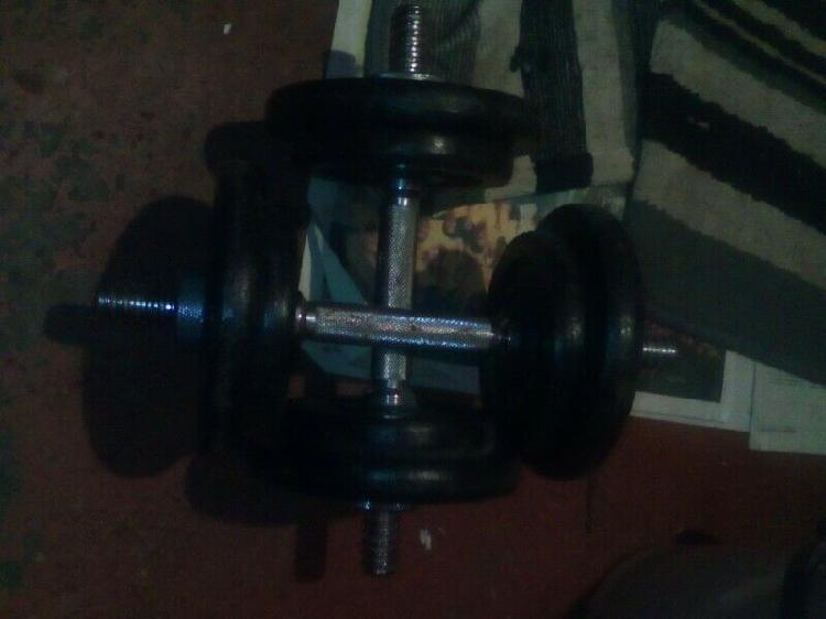 10kg adjustable dumbell set r950.00
