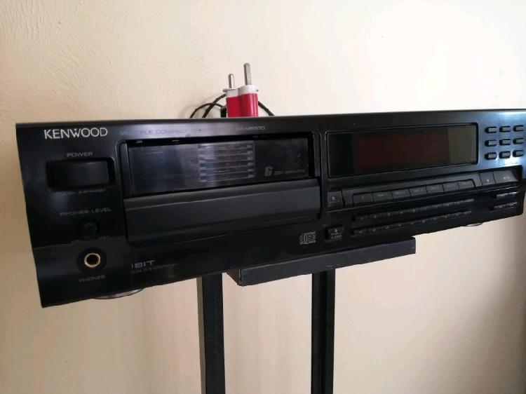Rare kenwood dp-m5570 multi disc cd player.