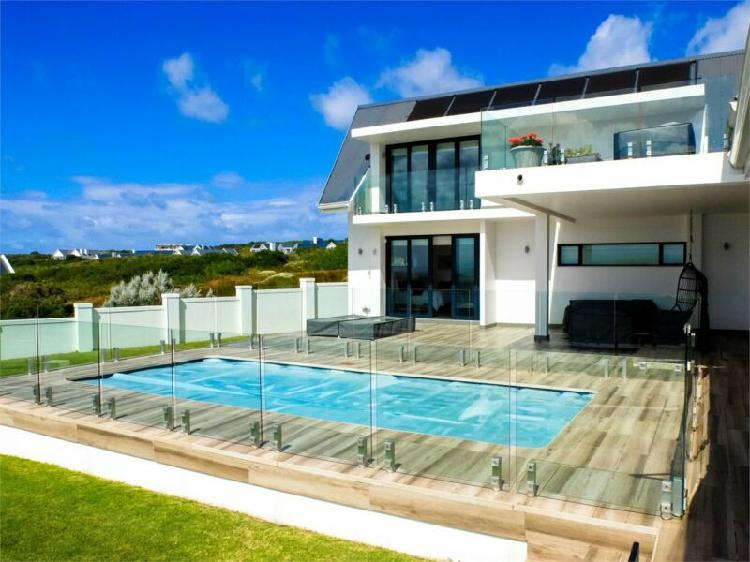 House in st francis bay now available