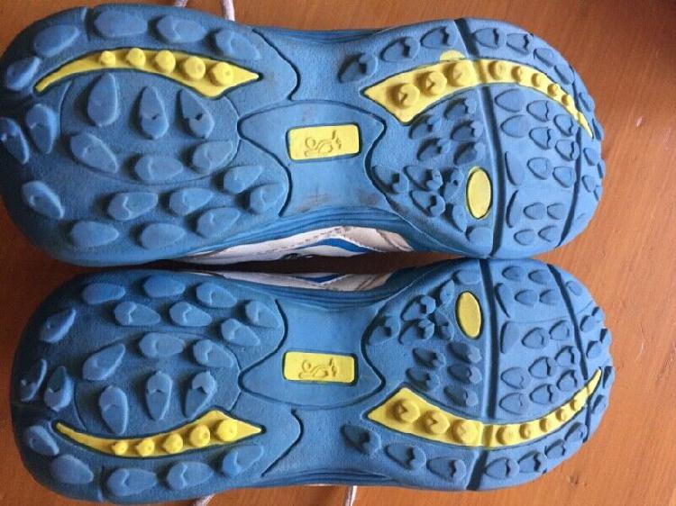 Cricket shoes kookabura pro 350 size 4