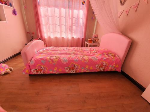 Girls single pink (faux) leather bed with mattress & 3 sets