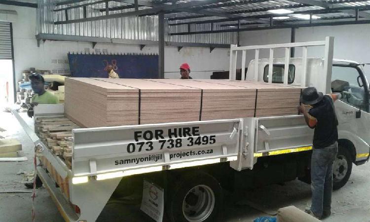 Goods transportation services : 1 ton, 2 ton, 4 ton