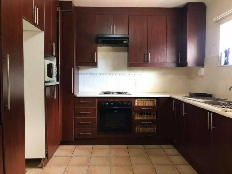 Rooms to rent in humewood extension