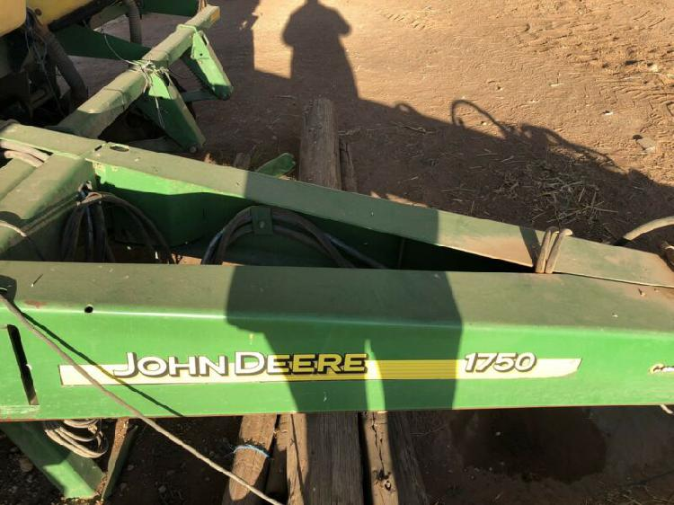 2007 john deer 1750 max emerge xp planter