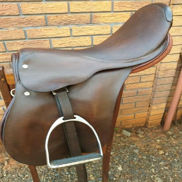 Saddle: e. jeffreys, 17 inch, used