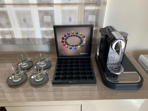 Great value!! nespresso citiz coffee machine with aeroccino