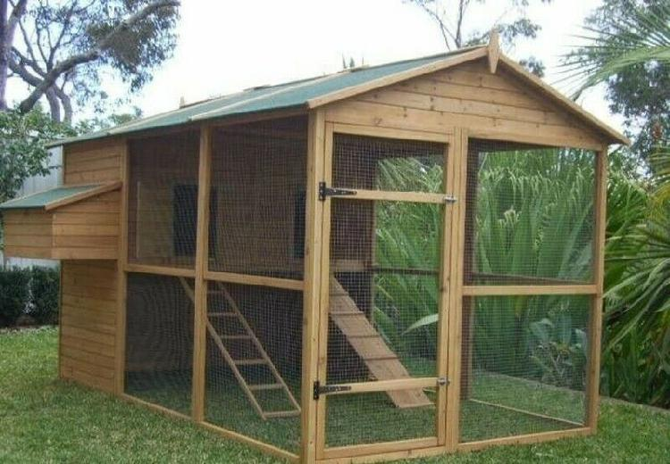 Spacious chicken coops available for sae
