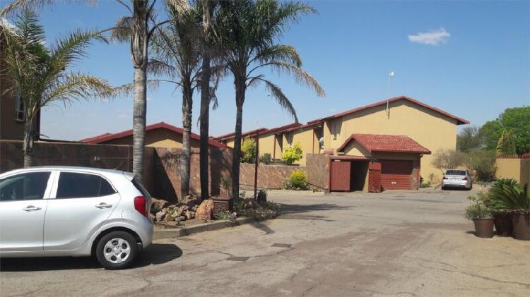 Townhouse-villa in witbank now available
