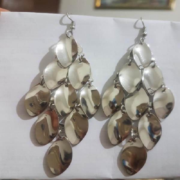 Fashion earrings hollow metal leaves leaf long dangle