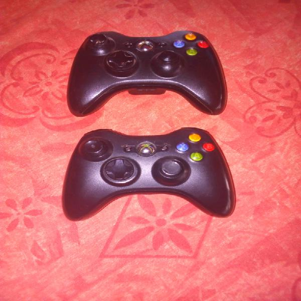 Xbox 360 wireless controllers