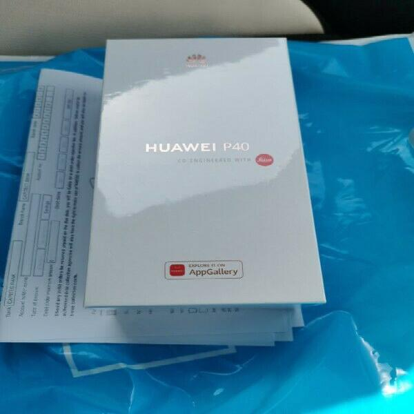 Huawei p40 frost silver sealed in the box dual sim 12 month
