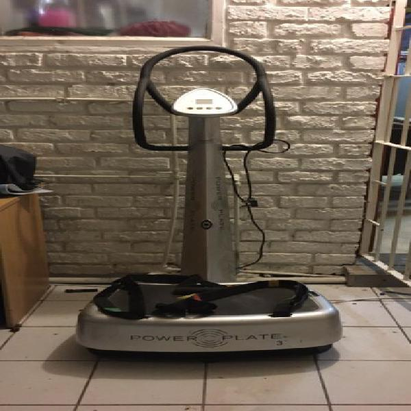 Power plate 3 exercise machine