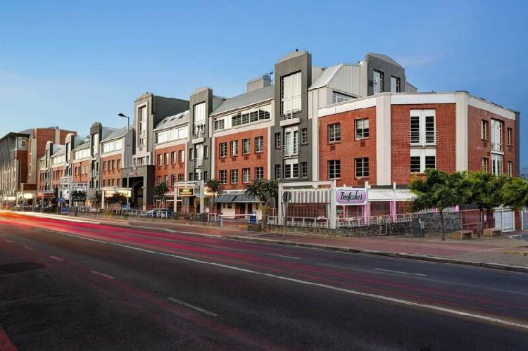 256sqm prime office accommodation available to rent