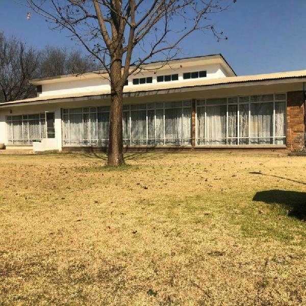 Family home with options!