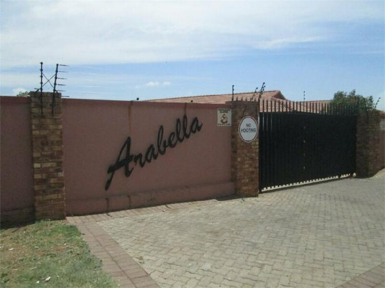 2 Bedroom unit in Vaalpark