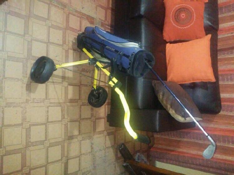 Golf bag Dunlop Kiddies kit in good condition