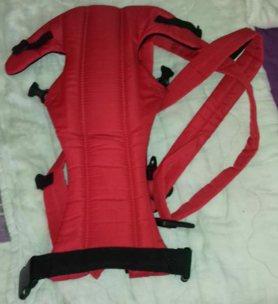 Urgently need to sell baby girl clothes plus baby carrier