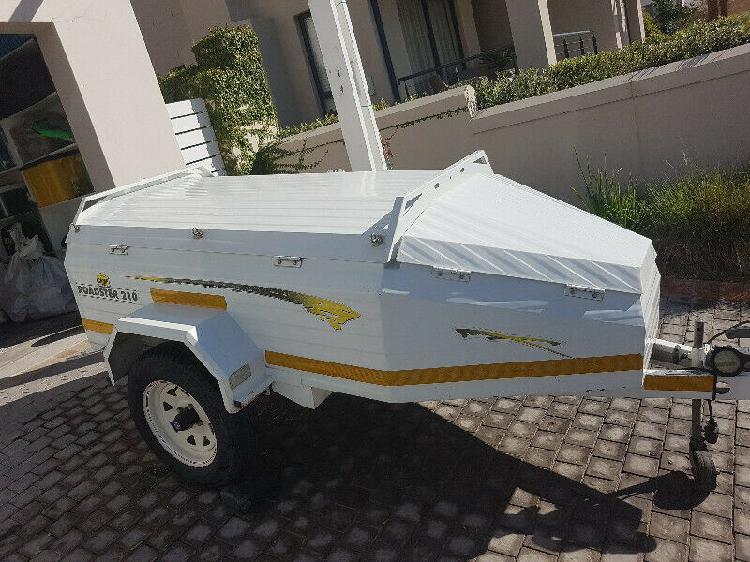 Camp master roadster 210 trailer