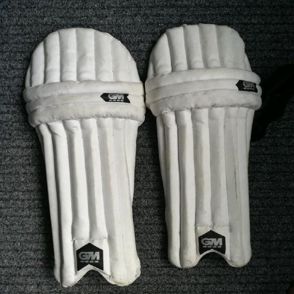 Kids cricket pads