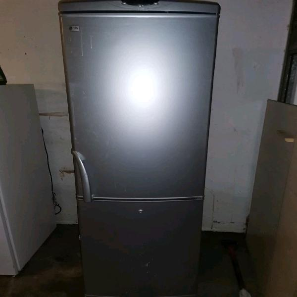 Lg fridge and freezer - i can deliver