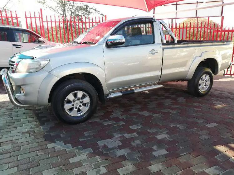 2011 toyota hilux 3.0 d4d diesel single cab