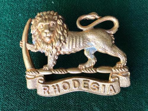 RHODESIA GENERAL SERVICE CORPS BRASS CAP BADGE-1940S- 2 LUGS