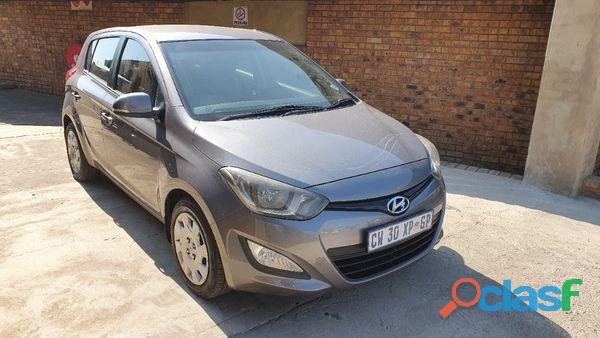Hyundai i20 1.4 Fluid 8