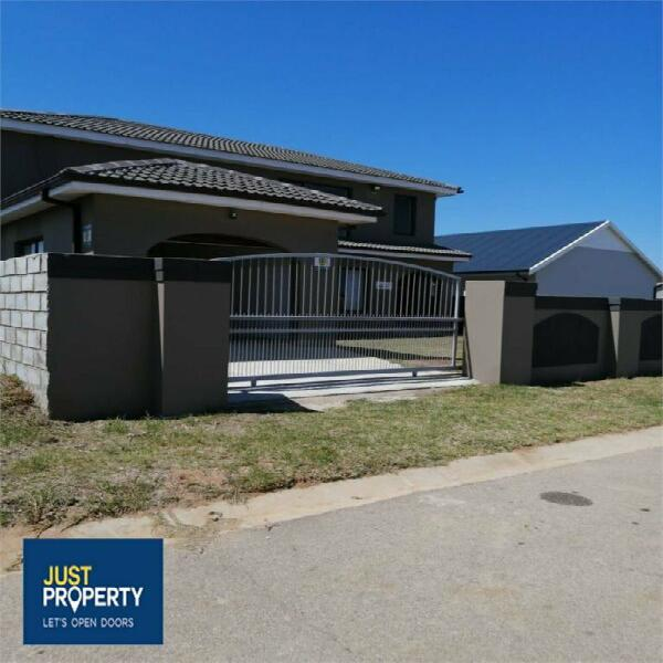 House in Jeffreys Bay now available