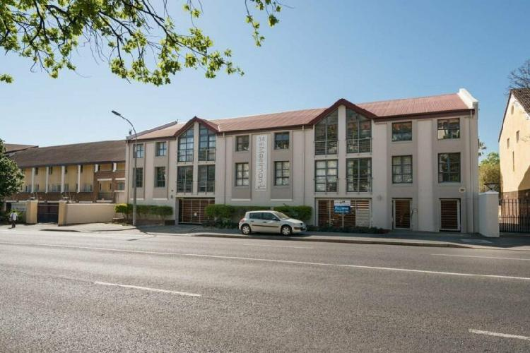 Upmarket apartment located in the heart of campus