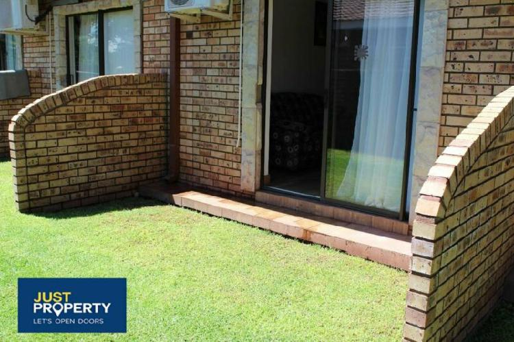 Bachelorflat in kathu now available