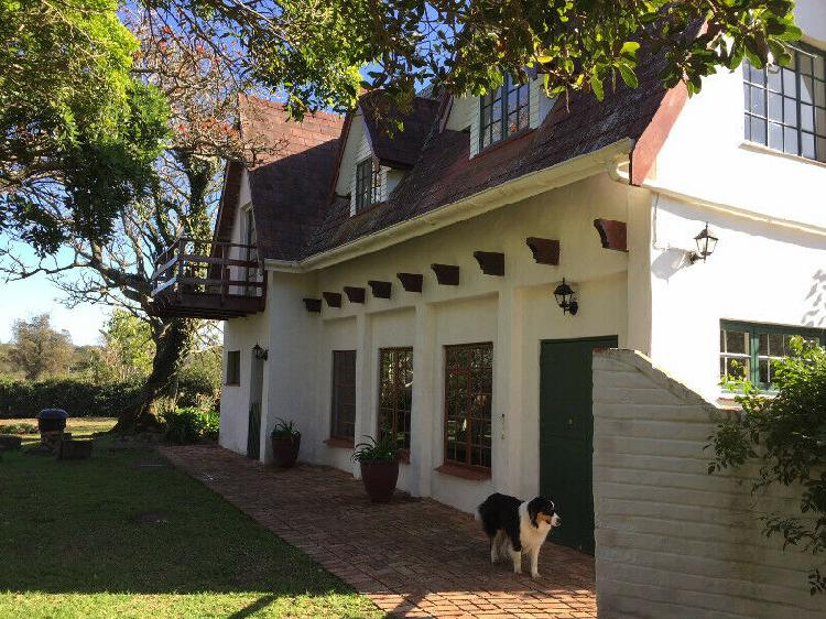 Country living. charming cottage to rent on working farm r5