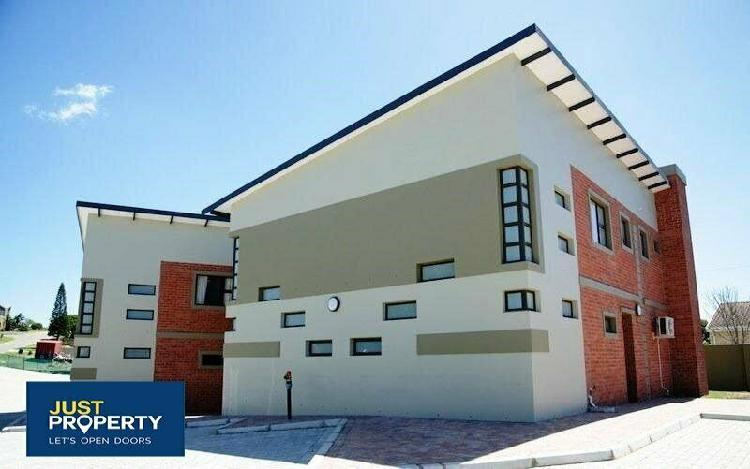 Duplex in jeffreys bay now available